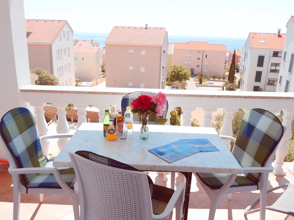 Apartment-mit-meersicht-zrce-beach